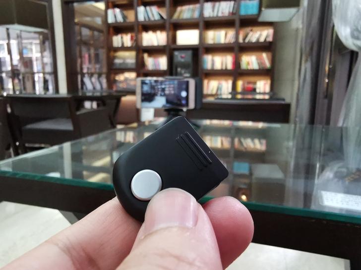 Adonit無線充電藍牙握把PhotoGrip Qi:功能三合一、拍照更便利  - 22