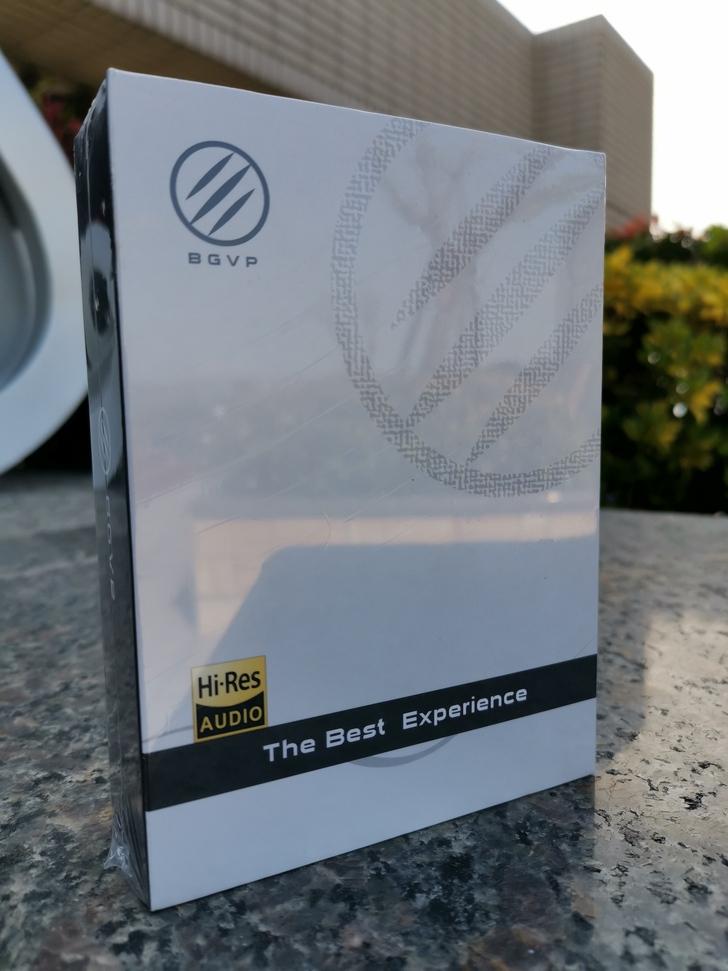 BGVP DS1 Pro入耳式耳機:二鐵一圈可換線,三頻均衡各自精彩